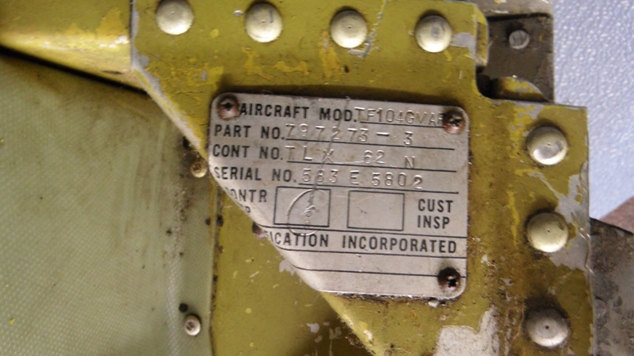 D-5802_dragchuteholder