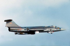 JA+107 F-104G JG 71 cn 8072 1967_P Doll