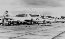 62-12232_FN-T_Leuchars_sq-exchange_1970_HPrinsColl