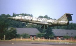 64-17753 F-104G R-753 RDAF 723 Esk at Gutersloh 09Sep1975_Heribert Mennen_mod