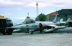 F-104G_FX69_10W_31Sqn_1966_Leuchars_SergeBonfondX