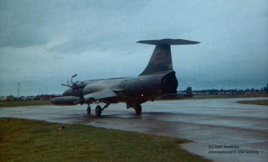 56-891_Taxying_Udorn