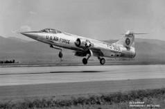 55-2969_YF-104A_83FiS_recordflight