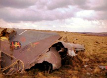 D-8337_tailsection_crashsite_1983