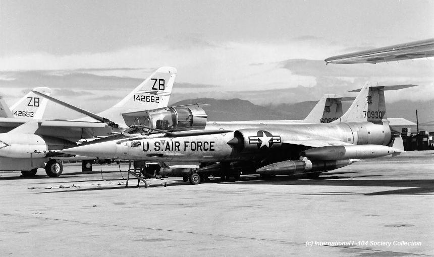 57-930 F-104C Da NangXX